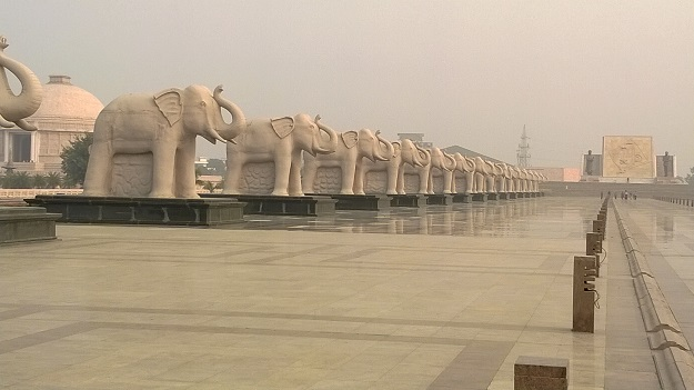 elephants-at-ambedkar-memorial